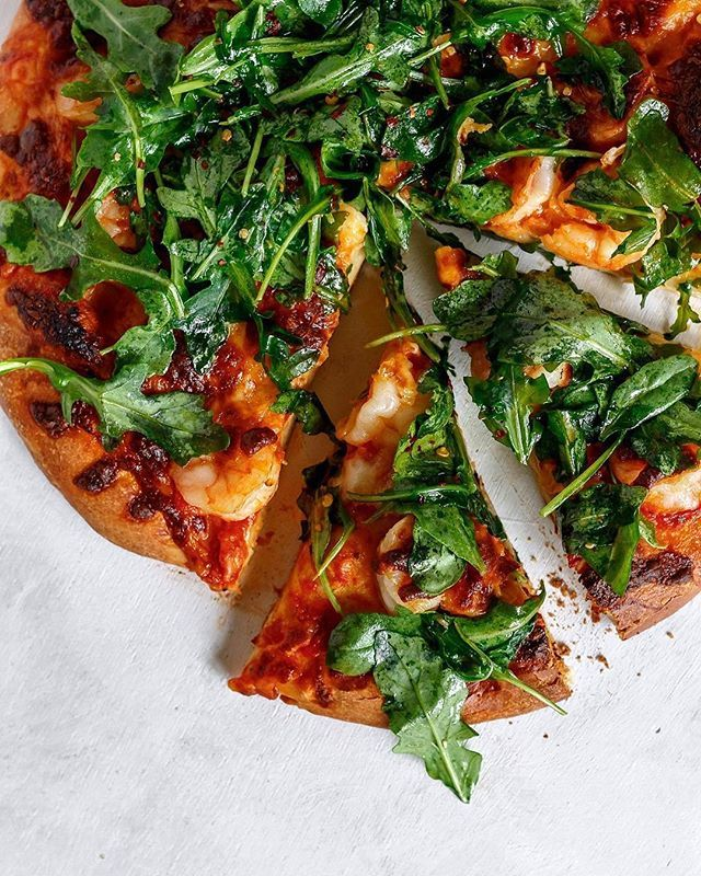 Spicy Shrimp, Mozzarella and Arugula Pizza