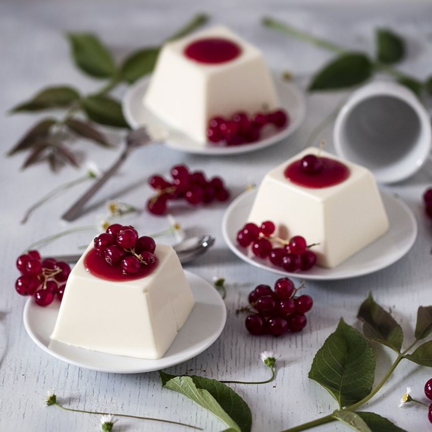 Red Currant and Mascarpone Panna Cotta