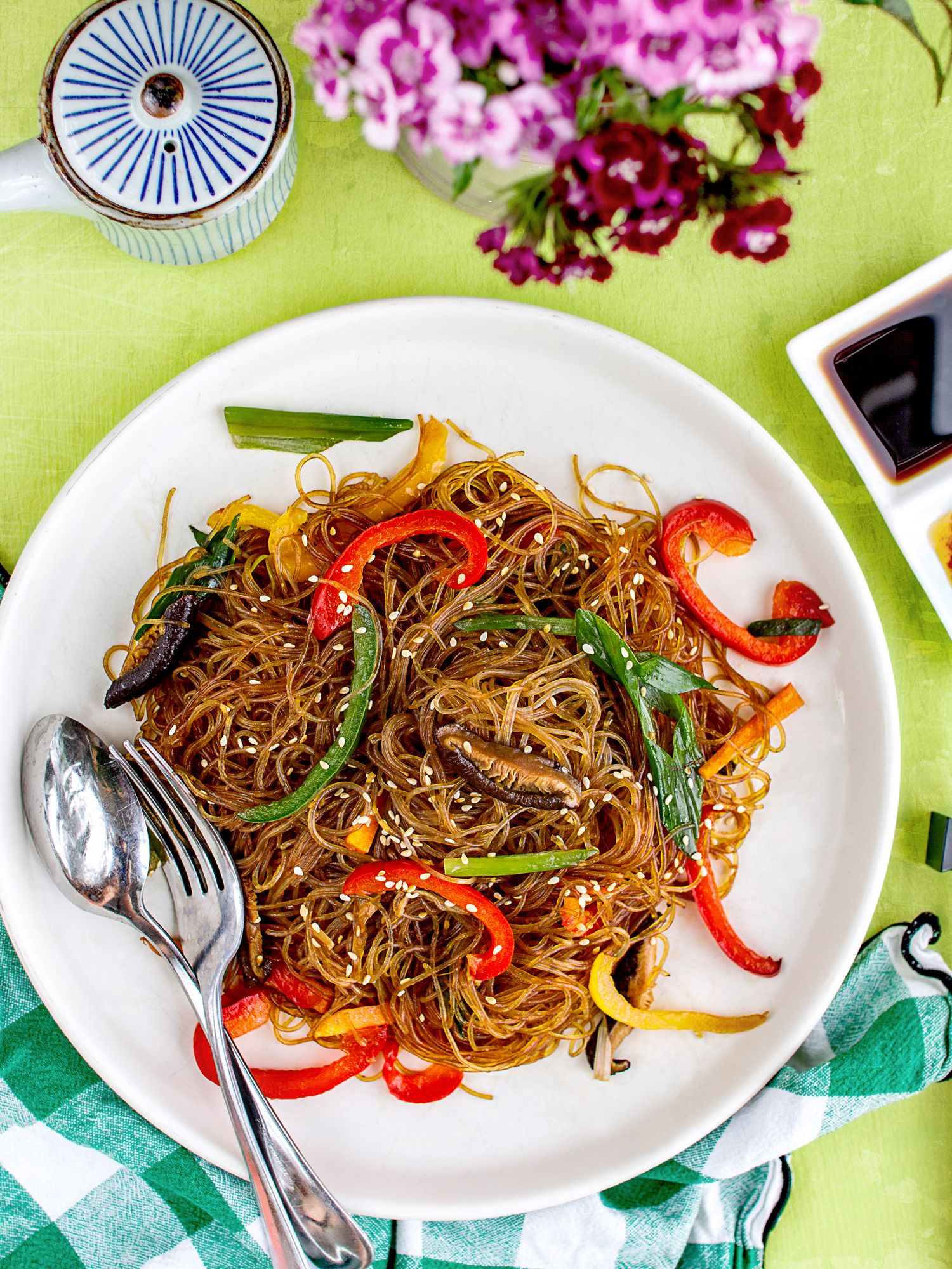 Stir-fried Glass Noodles with Mushrooms and Peppers