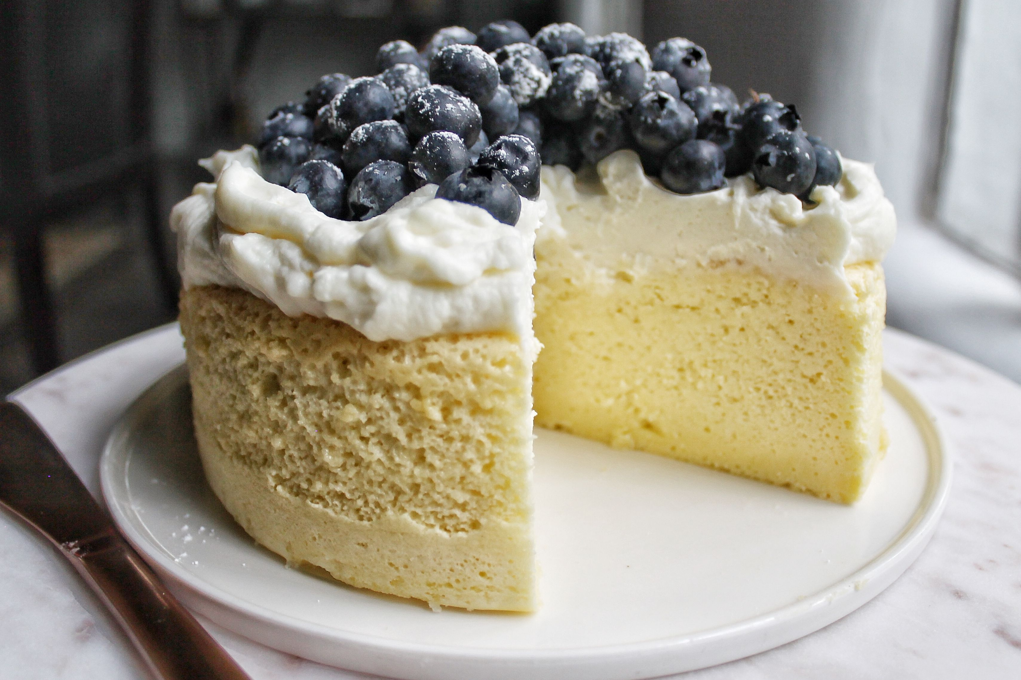 Cotton Japanese Cheesecake with Cream Cheese and Blueberry Topping