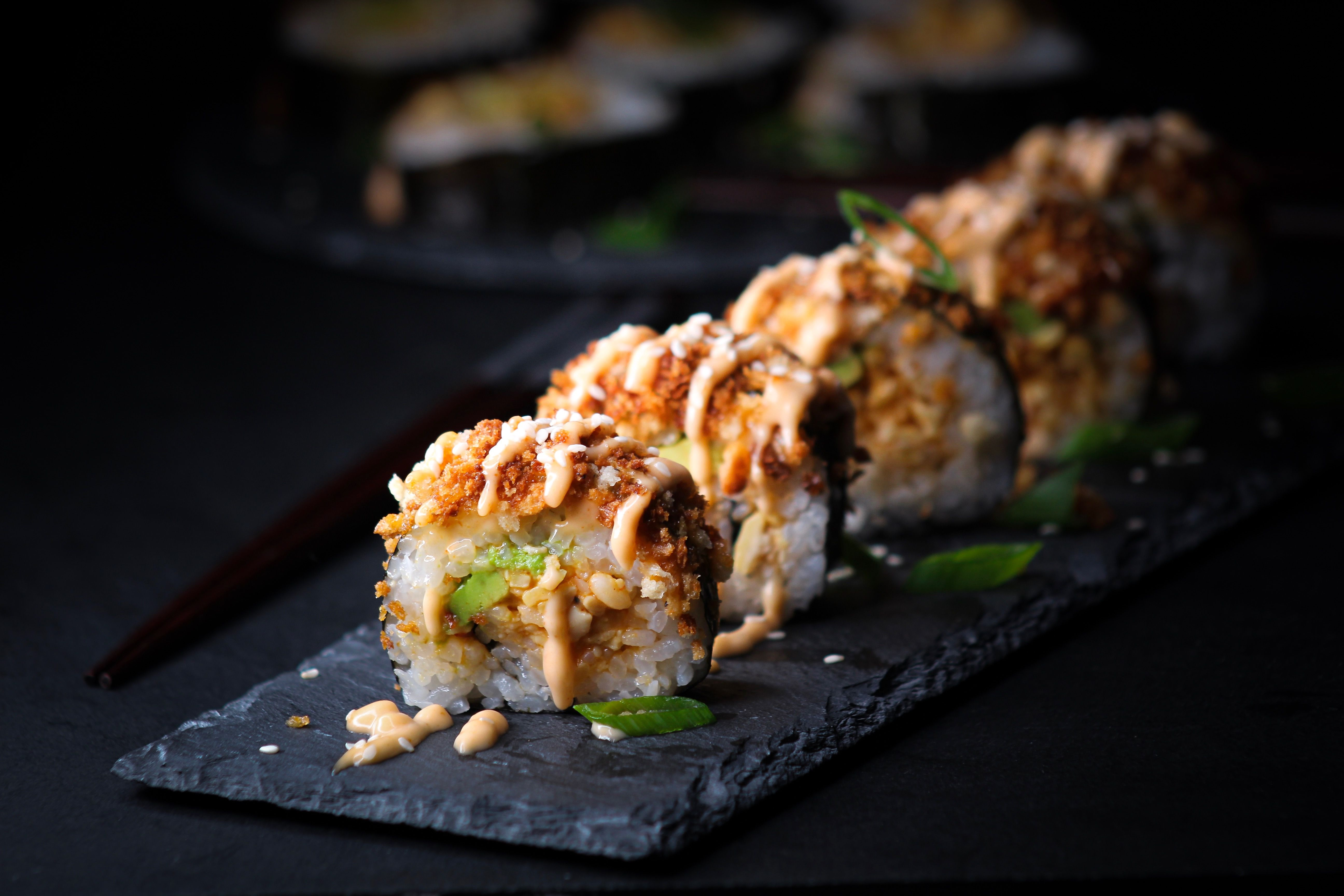 Tempeh Crunch Spicy Roll